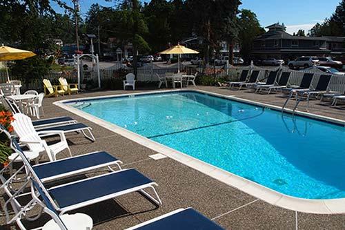 Admiral Motel Pool