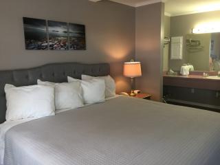 Admiral Motel Room